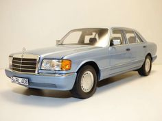 Mercedes W126, Classic Cars, Artwork, Blue, Autos, Work Of Art, Auguste Rodin Artwork, Vintage Classic Cars, Artworks