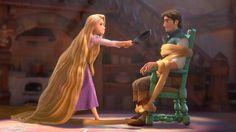 Rapunzel confronts Flynn Rider with her frying pan Disney Names, Disney Songs, Disney Films, Disney Art, Disney Characters, Disney Quotes, Princesa Disney Frozen, Rapunzel Disney, Disney Princesses