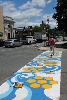 Recorder/Paul Franz Bee Crosswalk art on common Street Painting, 3d Painting, Public Space Design, Public Spaces, Installation Street Art, Pedestrian Crossing, Road Markings, Lake Art, Sidewalk Art