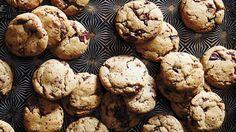 Chewy vanilla spice cookies with chocolate chunks | Chocolate cookies | SBS Food