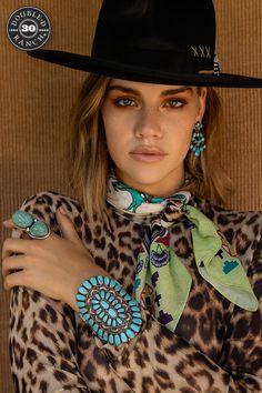 Animal Print Fashion, Animal Prints, Retro Fashion, Hippie Fashion, Women's Fashion, Color Me Badd, Navajo Style, Girl Senior Pictures, Comics Girls