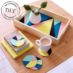 Urban Crafter Geometric Serving Tray and Coasters DIY Kit from UrbanCrafterDIY on Etsy. Diy Projects To Try, Craft Projects, Wood Projects, Diy Casa, Art Diy, Painted Trays, Diy Coasters, Ideias Diy, Diy Kits