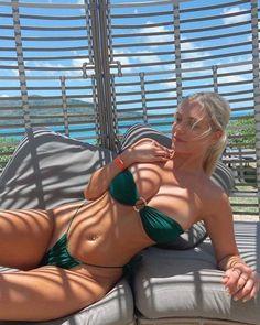 Beautiful Women Pictures, Gorgeous Women, Hot Bikini, Bikini Girls, Fit Women, Sexy Women, Girl With Curves, Perfect Pink, College Girls