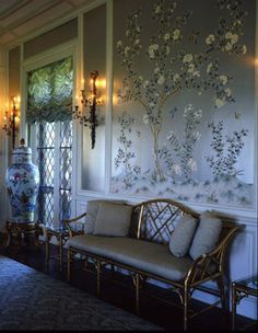 close-up of wallpaper in ballroom Metallic Wallpaper, Of Wallpaper, Painted Wallpaper, Hand Painted Walls, Enchanted Home, Antique Interior, Chinoiserie Chic, Wall Paint Colors, Interior Decorating