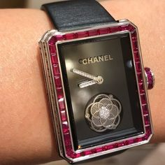 eac8909d8fa5 Camélia Flying Tourbillon By Chanel Is Elegant ❤ The watch is inspired by  the No 5 perfume and is one of the classiest that you could expect to own !