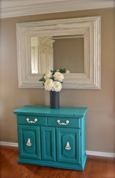 Stunning Vintage Florence Buffet/Server or Foyer Table or a perfect mini bar!