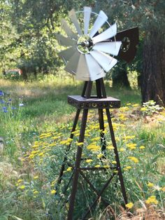 Charming Windmill - possibly paint it dif colors Yard Windmill, Windmill Art, Old Windmills, Outdoor Projects, Outdoor Decor, Outdoor Ideas, Backyard Creations, Natural Pond, Hummingbird Garden