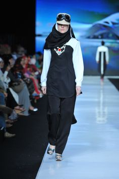 Black tunic from Hannie Hananto collection very edgy