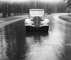 Robert Doisneau // Renault 'Nervastella', 1930 in France. ( http://www.gettyimages.co.uk/detail/news-photo/renault-nervastella-1930-in-france-news-photo/149288174