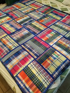 Ideas patchwork quilting from shirts for 2019 Flannel Quilts, Plaid Quilt, Shirt Quilts, Plaid Fabric, Man Quilt, Boy Quilts, Quilting Projects, Quilting Designs, Quilting Ideas