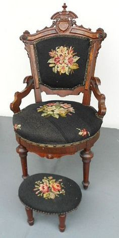 Antique Victorian Renaissance Revival Parlor Chair Orig Im proud to say I own Victorian Chair, Victorian Parlor, Victorian Furniture, Victorian Decor, Victorian Homes, Vintage Furniture, Folk Victorian, Furniture Styles, Unique Furniture