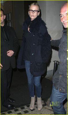 Charlize Theron rocks geek chic specs flawlessly #eyewear #eyeglasses #celebrities
