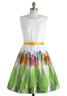 this is such a happy dress- it is like spring in a dress!!