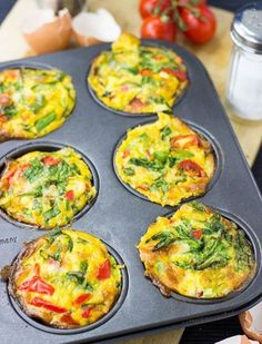 Healthy, Low Carb Egg Breakfast Muffins Good, but messy to cook - try with paper liners, and only fill aobut (healthy breakfast with eggs low carb) Atkins Recipes, Low Carb Recipes, Vegetarian Recipes, Healthy Recipes, Vegetarian Italian, Atkins Diet Recipes Phase 1, Tasty Meals, Simple Recipes, Vegan Meals