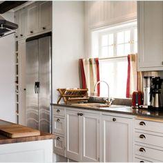 Klassinen keittiö 07 Kitchen Cabinets, Home Decor, Decoration Home, Room Decor, Kitchen Base Cabinets, Dressers, Kitchen Cupboards, Interior Decorating