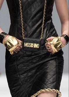 Moschino Fashion show & more details