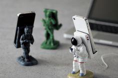 Motif. SMART PHONE STAND astronauts スマホスタンド アストロノーツ