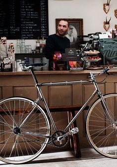 https://flic.kr/p/dXT5tj | Cafe Racer | Self made frame building by Puls-Sport Blieskastel  Mehr zu diesem Projekt findet Ihr hier: www.stadtmarketing-blieskastel.de/rahmenbau-bei-puls-spor...