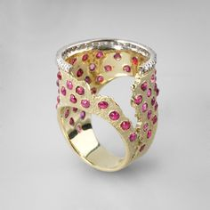 Ring | Gabriel Kabirski.  14k gold, rubies and diamonds <3 http://pinterest.com/pin/516154807264204279/