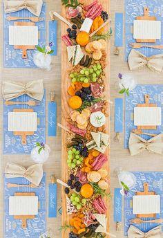 Mesa com decoração refrescante e leve.