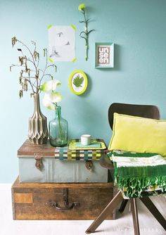 Flexa vintage blue paint with yellow. Blue Decor, Green Interiors, Colorful Interiors, Interior, Blue Rooms, Home, Blue Home Offices, Home Deco, Living Room Inspiration