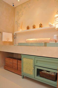 Closet e Banho do Bebê by S.C.A. Arquitetas: Stephanie Tarraf e Fernanda Castro #bathroom