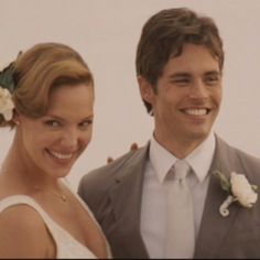 27 Dresses - perfect wedding pose for a photo