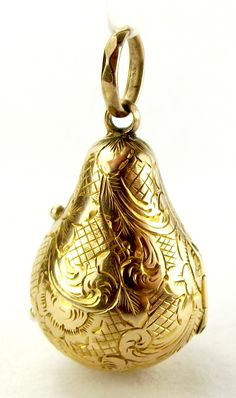 Antique Victorian 9ct Gold Pear Drop Locket Opens Glass