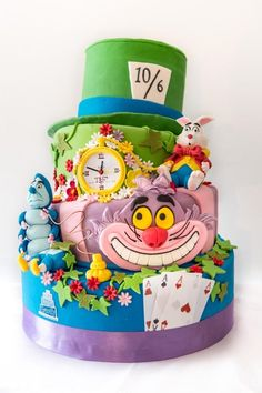 alice in wonder land cake so imaginative