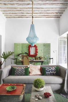 Unexpected Decor Mix: The Unconventional Classic | Apartment Therapy