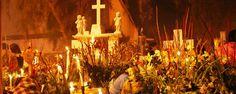 """El culto a los muertos en San Andrés Mixquic. Mientras que en muchos países, el culto a los muertos es un tema """"macabro"""", para los mexicanos, desde épocas antiguas, éste es un asunto que """"da vida"""" a una de las tradiciones más hermosas del país. ¡Vívela en Mixquic!"""