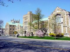 Vassar College has a lovely traditional campus in Poughkeepsie, NY, full of flowers, gardens and scenic spots to walk and picnic.