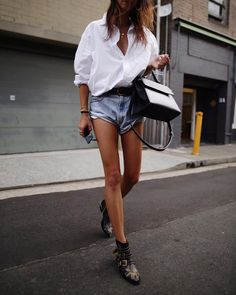 """Andy Csinger (@andicsinger): """"I LOVE a good white shirt // #chloe booties, #oneteaspoon #vintage shorts & button-up from…"""""""