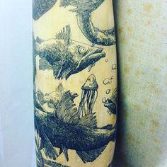 Vous avez vu le mannequin tatoué de Theo Jan? Ses deux bras sont remplis de dessins au rotring de l'artiste. Venez admirer de plus près