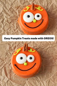 These chocolate covered Oreos make cute fall or Halloween pumpkin treats! Make these as Halloween cookies with your kids, or bring these treats as a fall party dessert. Cute chocolate covered Oreos have never been so easy! Visit the blog for the full tutorial on how to make these pumpkin cookies out of chocolate and Oreos! #thebearfootbaker #halloweencookies #halloweenpartyfood #halloweentreat ideas