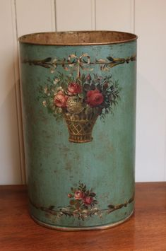 Decoupage Box, Decoupage Vintage, Vintage Tins, Shabby Vintage, Shabby Chic Accessories, Paisley Art, Tin Can Crafts, Tin Containers, Paper Basket