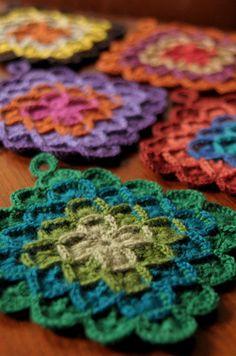 Transcendent Crochet a Solid Granny Square Ideas. Inconceivable Crochet a Solid Granny Square Ideas. Crochet Motifs, Crochet Potholders, Crochet Squares, Knit Or Crochet, Crochet Blanket Patterns, Crochet Crafts, Yarn Crafts, Knitting Patterns, Free Crochet