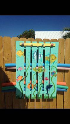 Pallet Pool Storage 32 (Pallet Pool Storage design ideas and photos Palet Exterior, Piscina Diy, Pool Organization, Pallet Pool, Pool Storage, Pool Signs, Diy Pool, Pool Backyard, Backyard Games