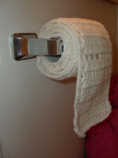 Just because you can crochet toilet paper doesn't mean you should! Some things just shouldn't crochet! Crochet Humor, Knit Crochet, Funny Crochet, Learn Crochet, Crochet Mask, Crochet Things, Best Friend Halloween Costumes, Group Halloween, Halloween Halloween