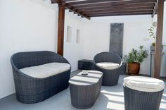 Terrasse du riad Azahra. Outdoor Furniture, Outdoor Decor, Ottoman, Home Decor, Morocco, Patio, Decoration Home, Room Decor, Home Interior Design