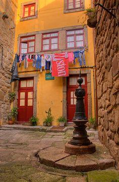 Largo Do Terreirinho no Porto www.webook.pt #webookporto #porto #ruasdoporto