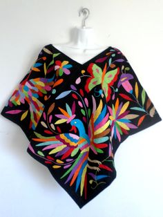 Gorgeous Hand embroidered Black Multicolor Poncho (Also known as Huipil). Unique hand made by indigenous women. One size fits all Mexican Fashion, Mexican Outfit, Mexican Dresses, Mexican Style, Mexican Embroidery, Hungarian Embroidery, Embroidery Patterns, Mexican Designs, Embroidery Fashion