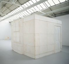 RACHEL WHITEREAD / Ghost, 1990