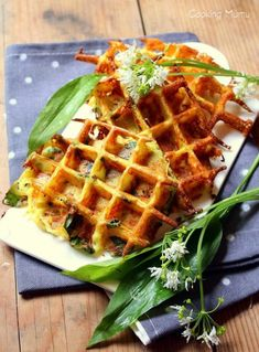 Gaufres pommes de terre et ail des ours. Wild Garlic, Crepes, Entrees, Sandwiches, Vegan, Cooking, Breakfast, Food, Beignets
