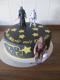 Starwars-Torte mit gekauften Figuren