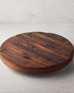 Prime who home decor dr. Diy Furniture Easy, Diy Furniture Projects, Diy Wood Projects, Rustic Table, Rustic Wood, A Table, Table Centerpieces, Table Decorations, Wood Projects For Beginners