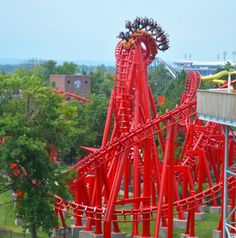 34 Amazing Amusement Parks in America Backpacker Travel Best Roller Coasters, Cool Coasters, Best Amusement Parks, Amusement Park Rides, Six Flags, Water Slides, Travel Usa, Places To Go, America