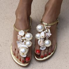 Shop Womens Pearl Shell Decorative Flat Sandals online with Comfortable Flats, Slingbacks, Types Of Fashion Styles, Style Fashion, Fashion Shoes, Types Of Shoes, Flat Sandals, Bow Sandals, Mules Shoes