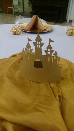 Pop-up castle centerpiece Credit: C-MY Style Event Planning LLC