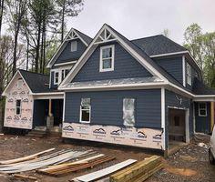 grey exterior house colors Exterior paint color is granite peak sw Sherwin Williams Exterior Paint Sherwin Williams, Exterior Gray Paint, Exterior Paint Colors For House, Paint Colors For Home, Exterior Design, Exterior Colors, Chelsea Gray, Exterior Paint Color Combinations, Color Schemes